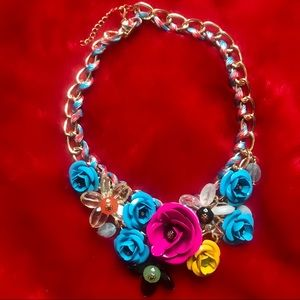 Jewelry - New Bright Colored Gold Flower Necklace